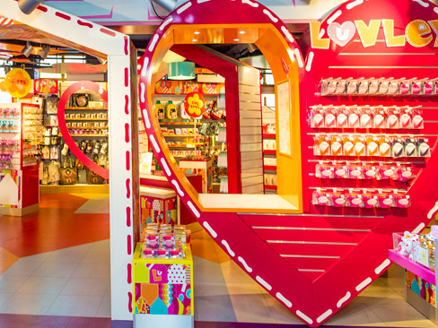 LUVLEY CONCEPT STORE - HAMLEYS   August 2012