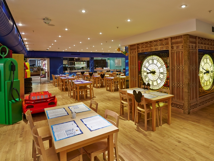 Disney-Cafe-Harrods-Themed-Environment-Store-Development