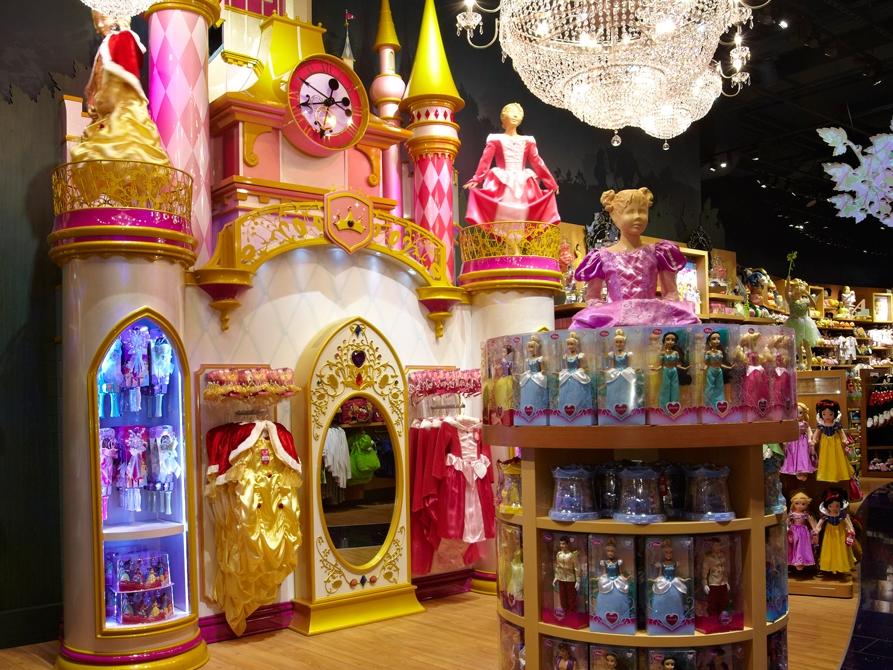 Milan-Disney-Princess-Castle-Visual-Merchandising-Specialist-Fixture