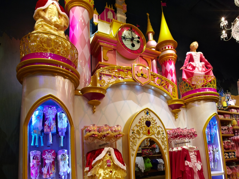 Milan-Disney-Princess-Castle-Visual-Merchandising-Specialist-Fixture-1.jpg