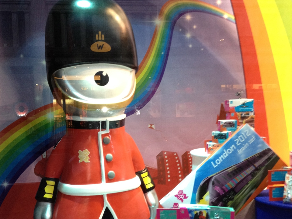 London-Olympics-2012-Hamleys-Visual-Merchandising-Events-&-Promotions-5.jpg