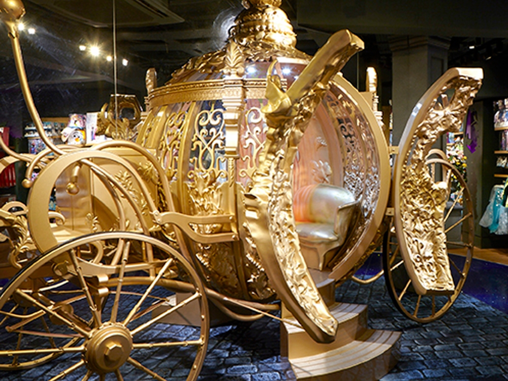 CINDERELLA GOLDEN PUMPKIN CARRIAGE -  DISNEY    March 2015