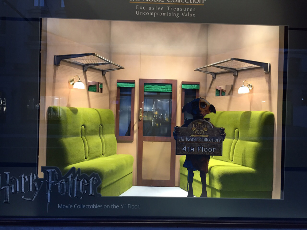 Window-Displays,-Harry-Potter,-Hamleys,-The-Noble-Collection.jpg