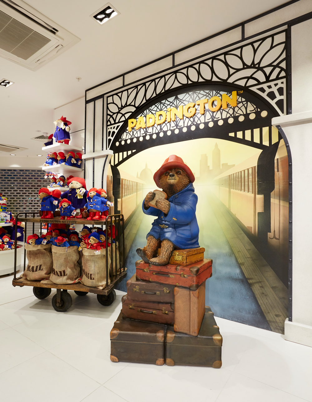 PADDINGTON - THE TOY STORE    September 2015