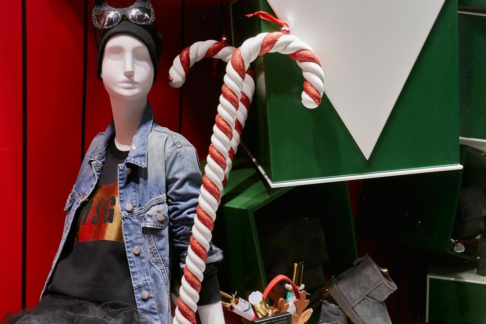 Propability,-Fenwick-Christmas,-Candy-Cane,-Countdown,-Window-Display2-.jpg