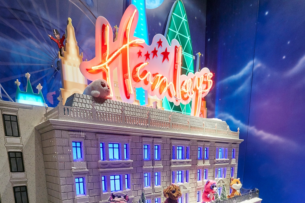 Propability,-Hamleys-Christmas,-Events-&-Promotions,-Moscow-Skyline3.jpg