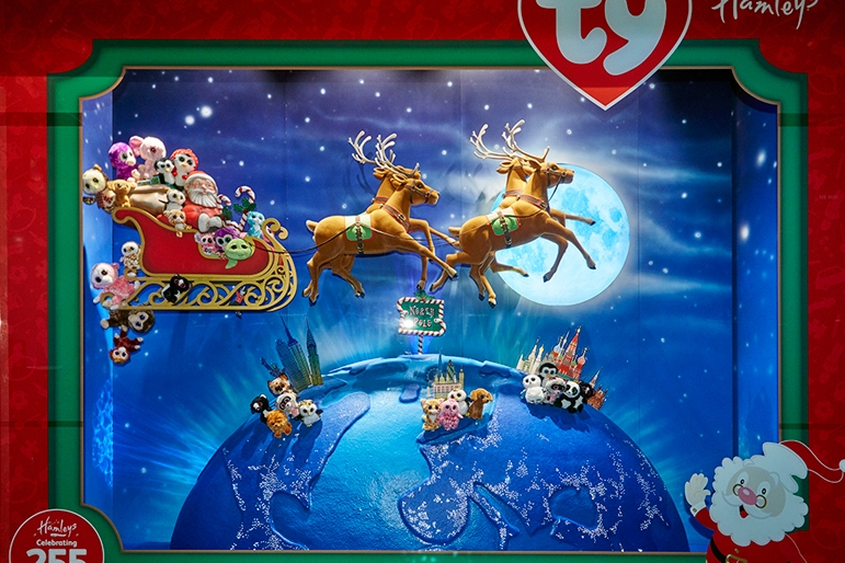 TY CHRISTMAS- HAMLEYS December 2015