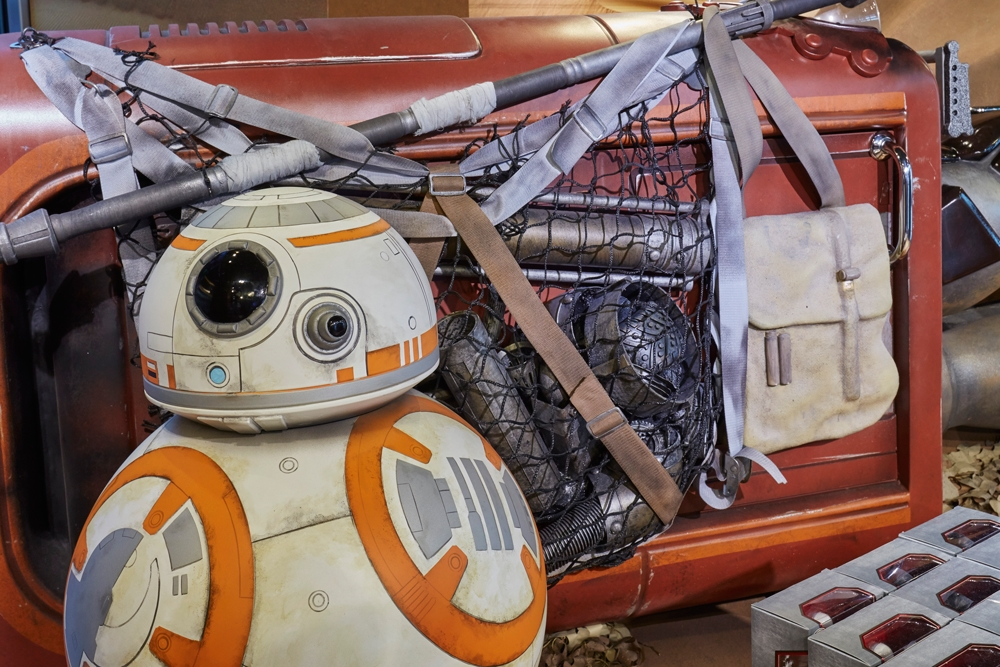 Star-Wars,-Disney-Store,-Oxford-Street,-Shop-Fittings,-Visual-Merchandising,-Props-&-Sculpts,-Droid-BB8.jpg