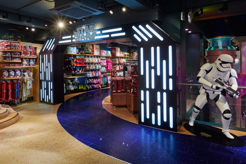 Star-Wars,-Disney-Store,-Oxford-Street,-Shop-Fittings,-Visual-Merchandising,-Props-&-Sculpts,-Storm-Trooper,-LED-Lit-Archway.jpg