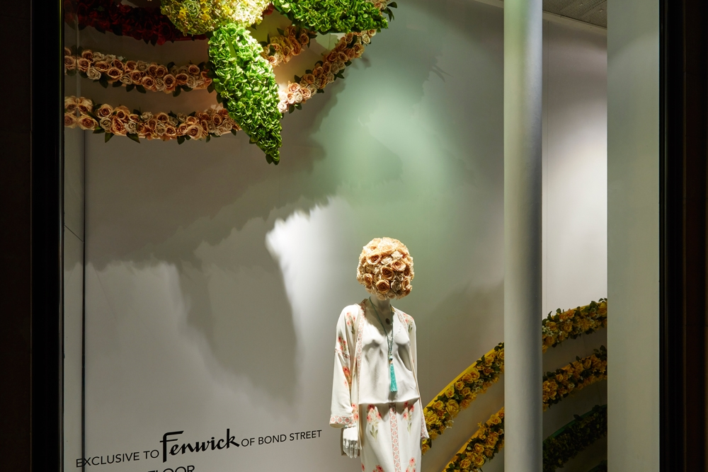 Fenwick-Bond-Street-Fashion-Store,-Vilshenko,-Fashion,-flowers,-Window-Display,-Specialist-fixtures-2.jpg