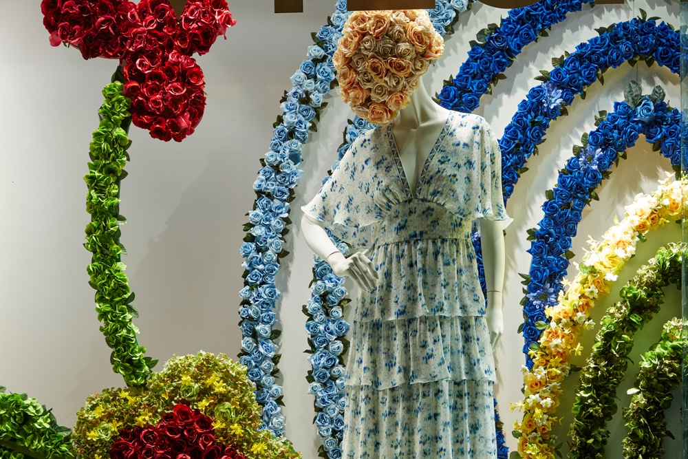Fenwick-Bond-Street-Fashion-Store,-Vilshenko,-Fashion,-flowers,-Window-Display,-Specialist-fixtures-5.jpg