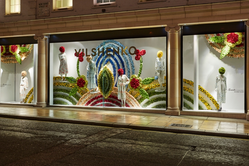 Fenwick-Bond-Street-Fashion-Store,-Vilshenko,-Fashion,-flowers,-Window-Display,-Specialist-fixtures-1.jpg