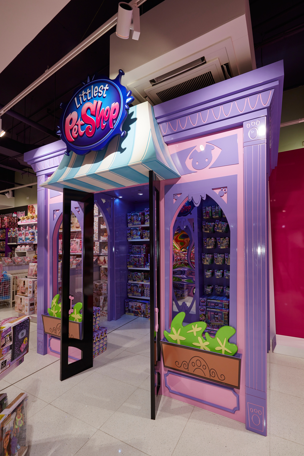 Littlest-Pet-Shop,-Toy-Store,-Store-Development,-Oxford-Street-3.jpg