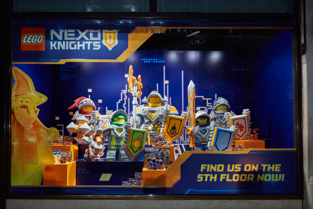 LEGO NEXO KNIGHTS - HAMLEYS    March 2016