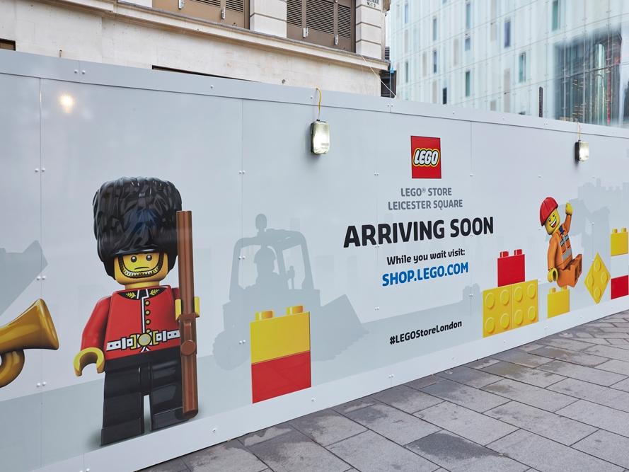 Lego-Store,-Leicester-Square,-London,-Hoarding-2.jpg
