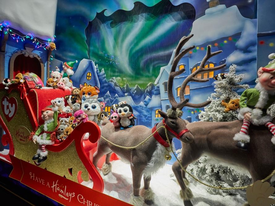 Propability,-Hamleys-Christmas-Window,-Life-Size-Animated-Reindeer-Landscape,-Window-Display-.jpg