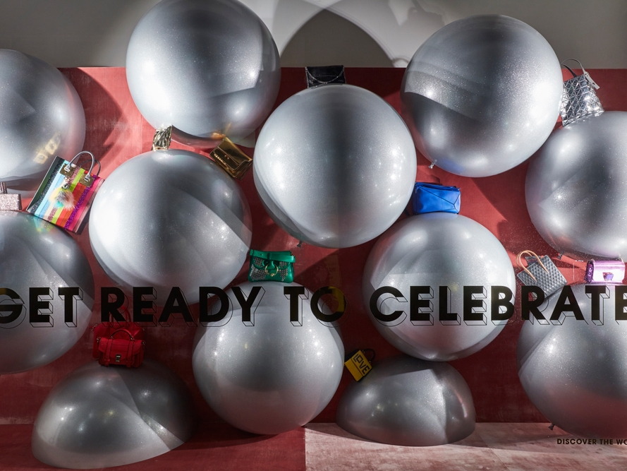 Propability,-Selfridges-Accessories,-Balloons,-Window-Display.jpg