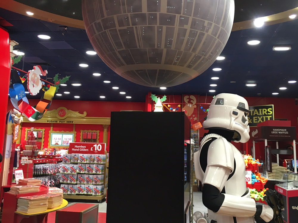 Propability,-Star-Wars,-Hamleys,-Stair-Way,-Store-Development-3.jpg