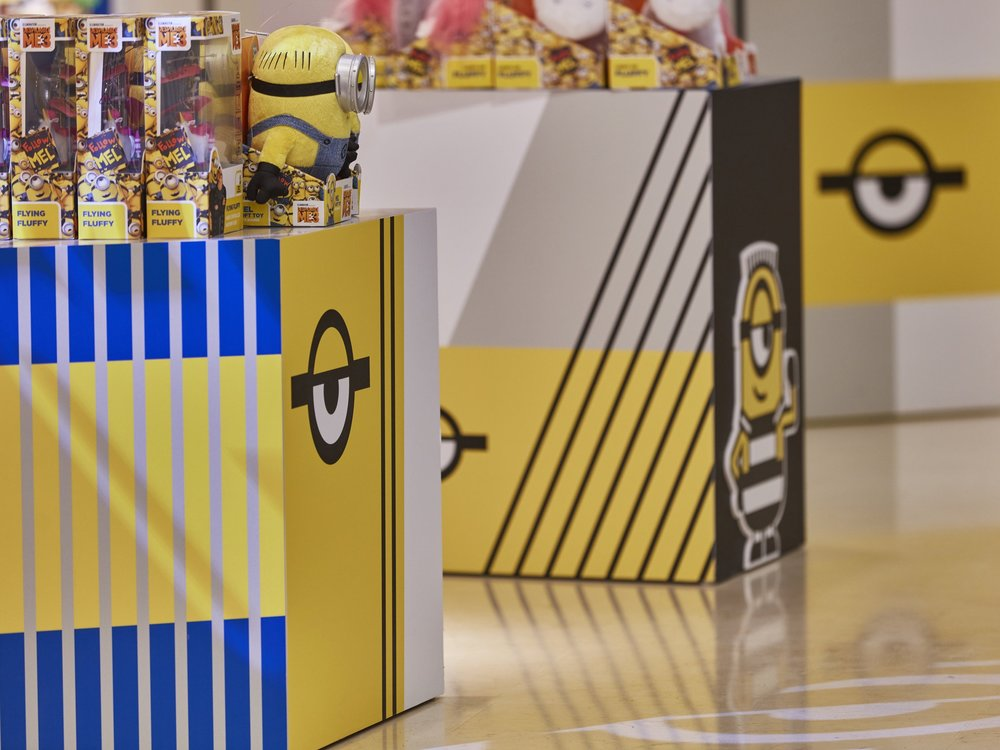 Propability, Oakwood, Despicable Me 3, Minions, Product Display, Fixtures, Vinyl, Retail Design.jpg