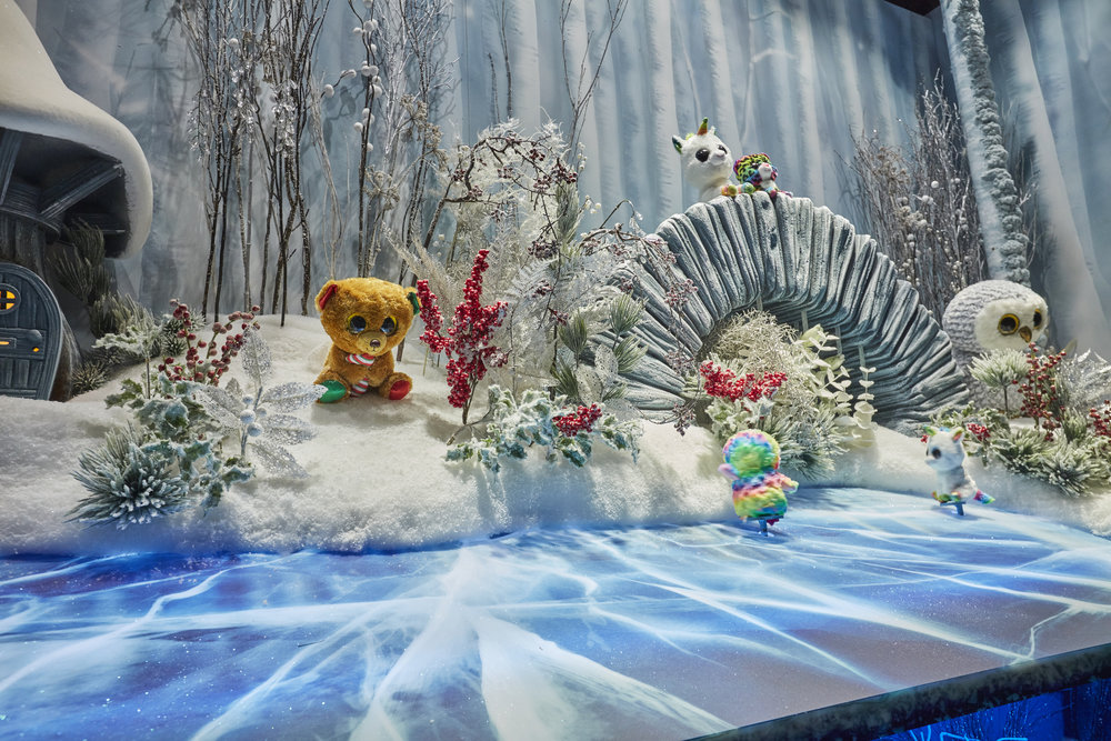 Propability, Hamleys, Pond window, Christmas .jpg