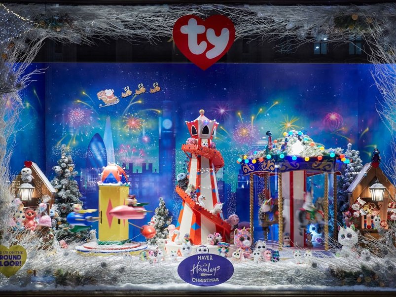 CHRISTMAS WINDOWS - HAMLEYS, LONDON    November 2018