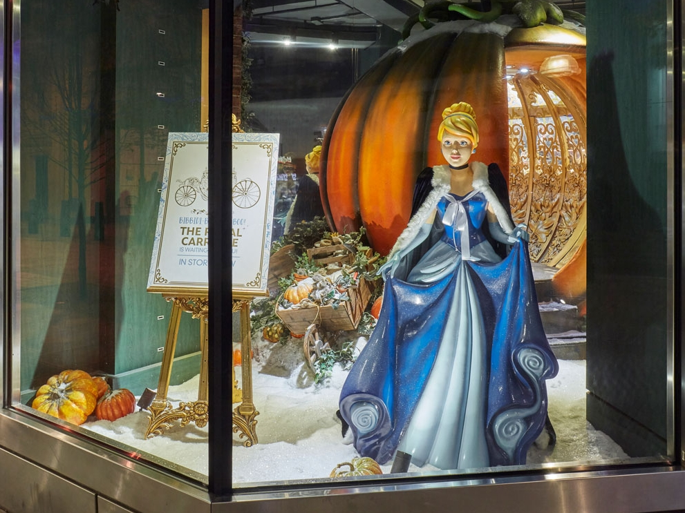 Disney-Cinderella-&-Carriage-Window.jpg