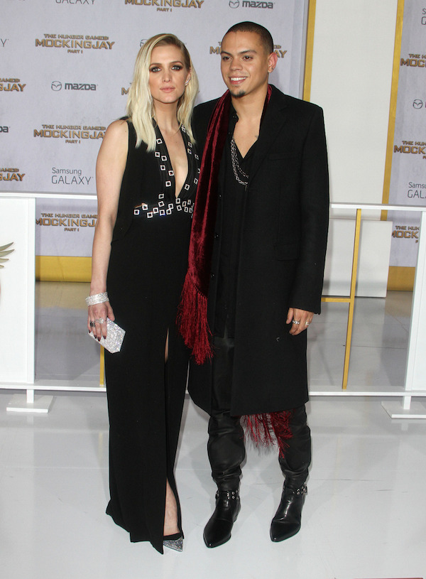 evan-ross-ashlee-simpson-The-Hunger-Games-Mockingjay-Part-1-LA-Premiere.jpg
