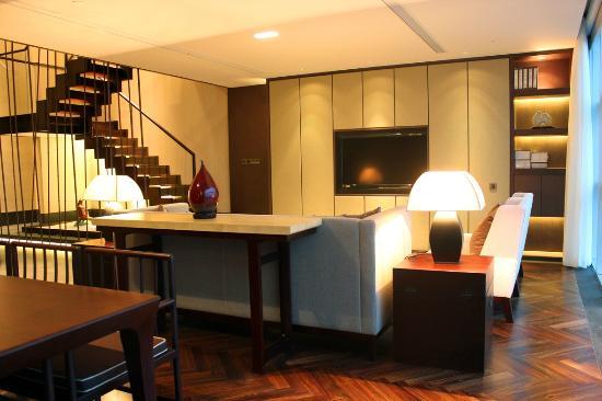 jumeirah-himalayas-hotel-1.jpg