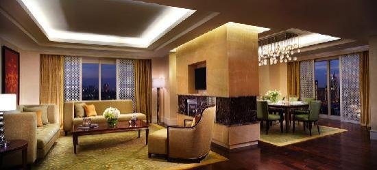 the-ritz-carlton-suite.jpg