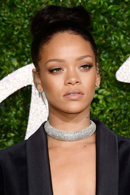 holiday_party_hairstyles_to_meet_2015_in_style_knotted_hairstyles_Rihanna13.jpg