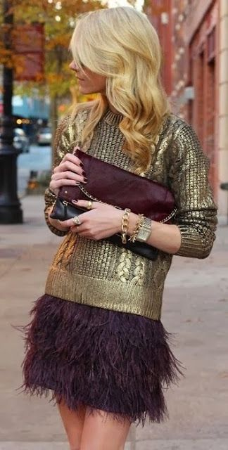 Ostrich feather skirt with golden accessories