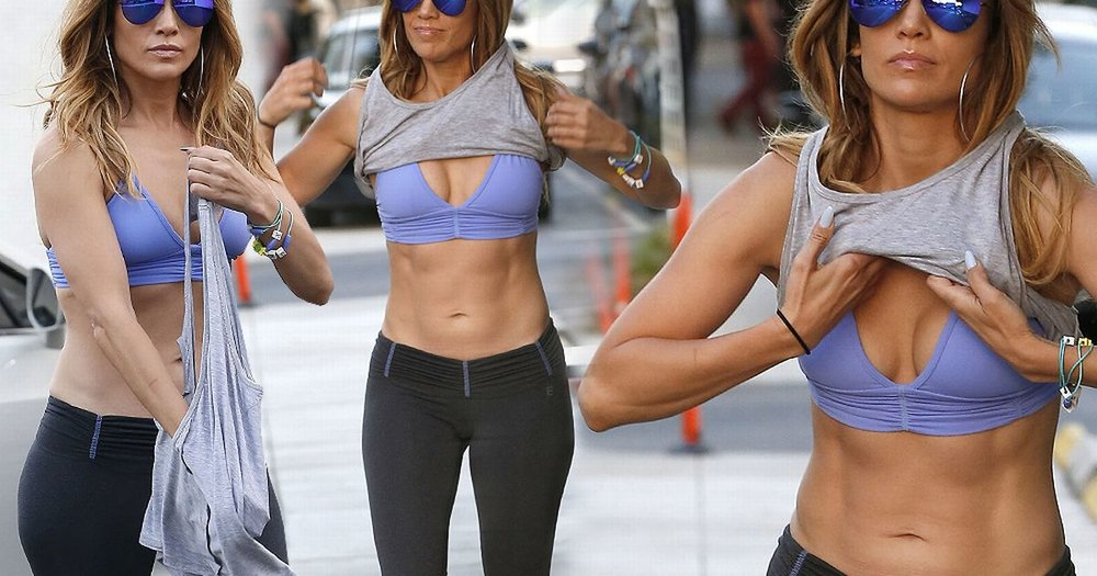 Jennifer Lopez works out year round and it shows!