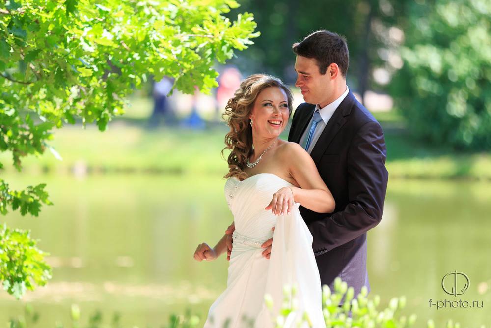 Профессиональный фотограф на вашу свадьбу.
