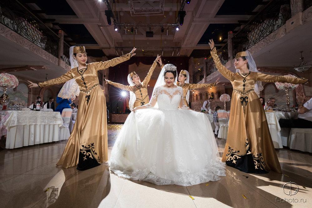 Танец невесты с танцовщицами  Санк