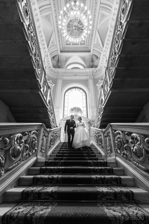 Жених и невеста перед началом цере