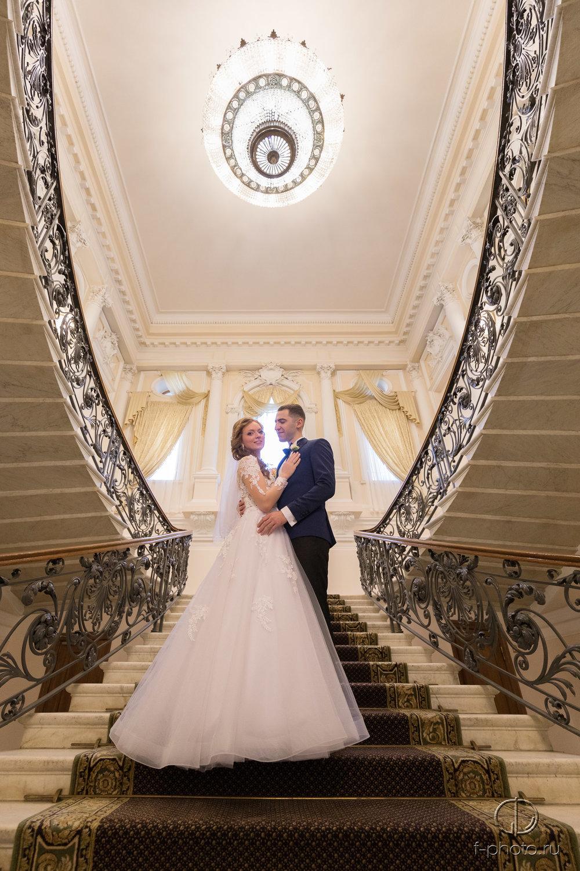 Жених и невеста перед церемонией
