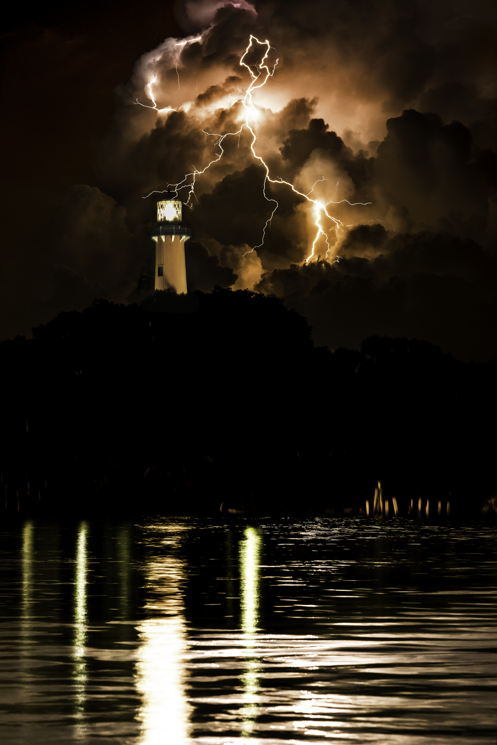 Lighthouse Lightning