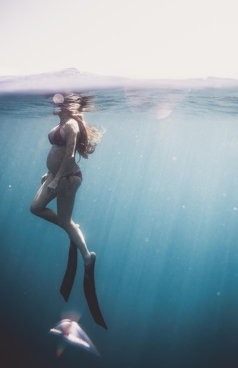 CrystalUnderwaterMaternity-506.jpg