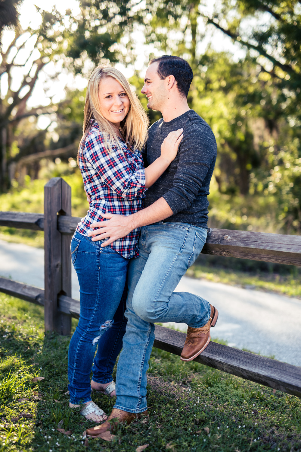 {Lexi&Joe'sEngagementSession}{RiverBendPark}{March2016}-0003.jpg
