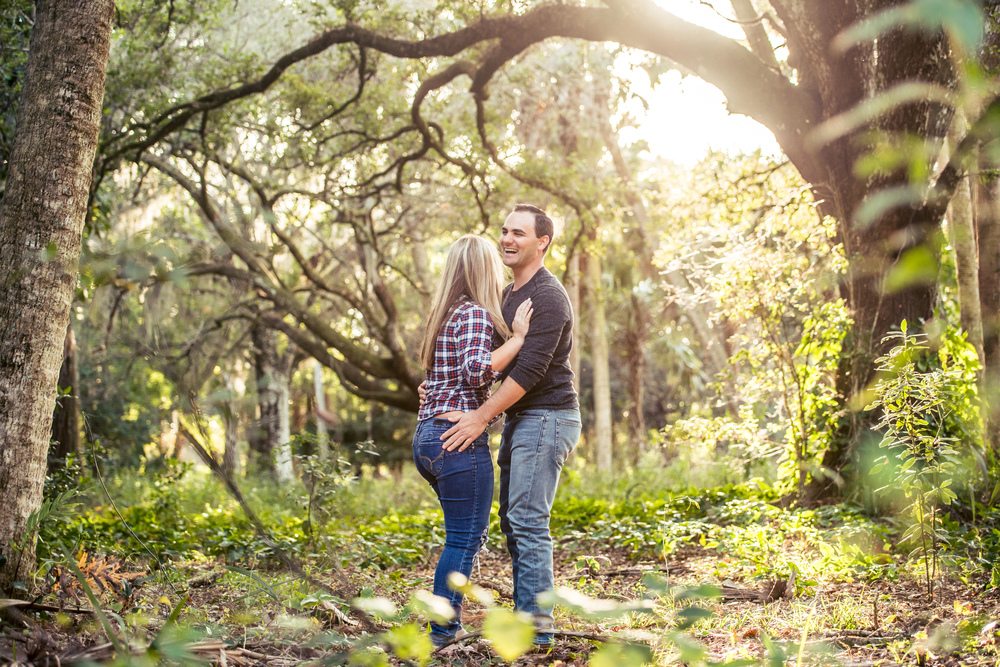 {Lexi&Joe'sEngagementSession}{RiverBendPark}{March2016}-0034.jpg