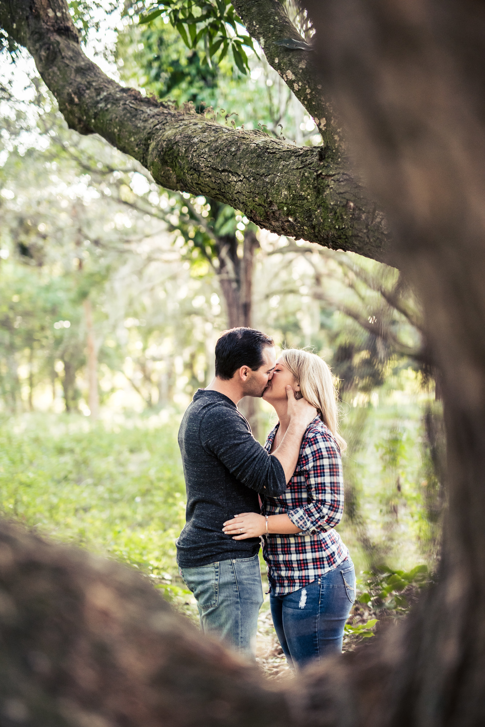 {Lexi&Joe'sEngagementSession}{RiverBendPark}{March2016}-0043.jpg