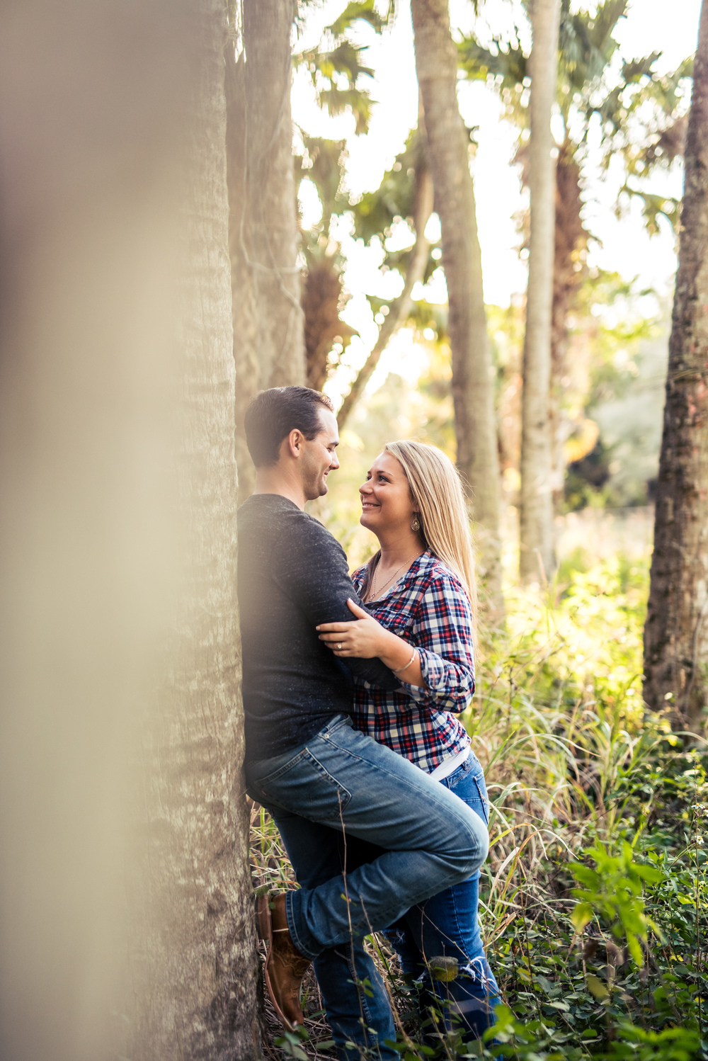 {Lexi&Joe'sEngagementSession}{RiverBendPark}{March2016}-0044.jpg