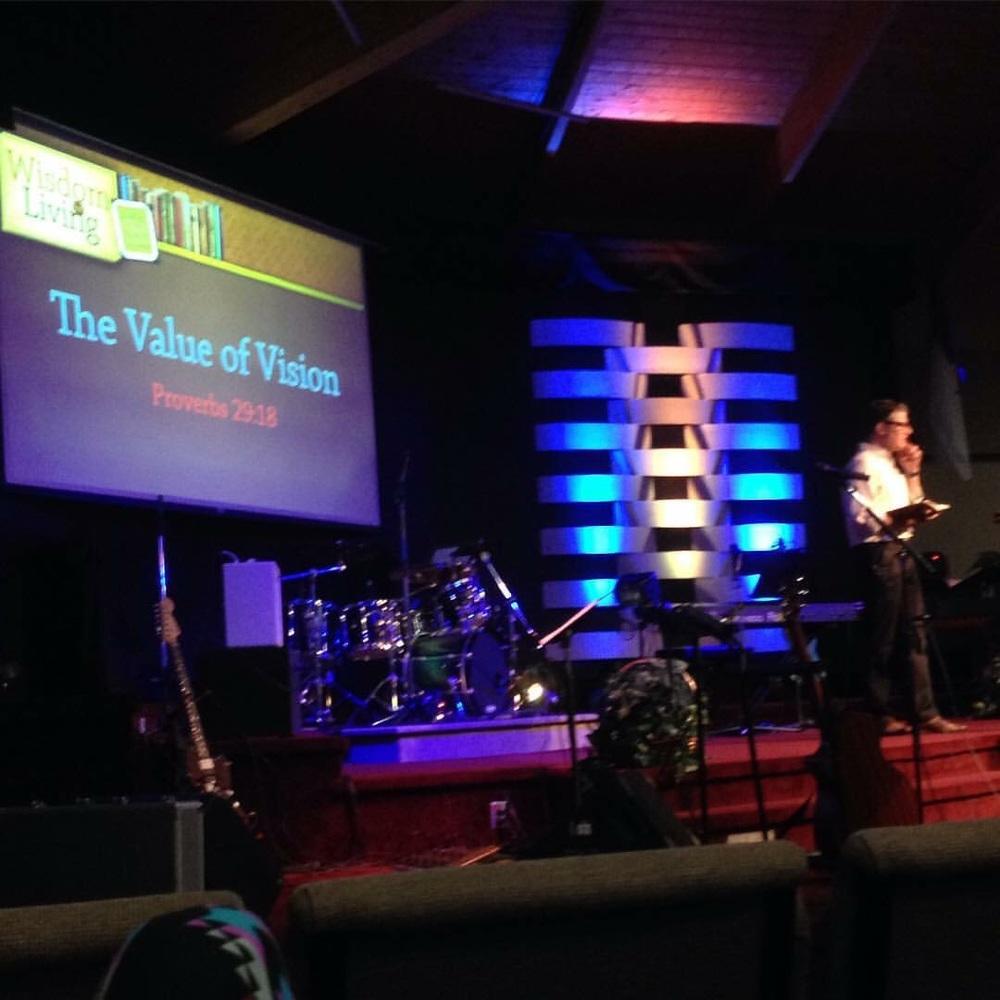 Pastor Daniel preaching