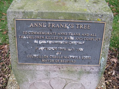 The plaque on the Anne Frank Tree