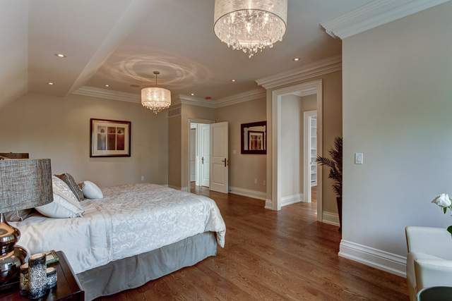 26 Master bedroom.jpg
