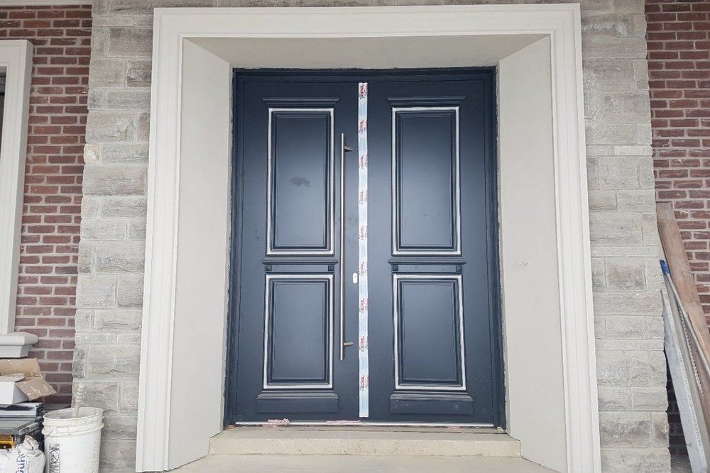 Richmond Hill transitional custom home front entry