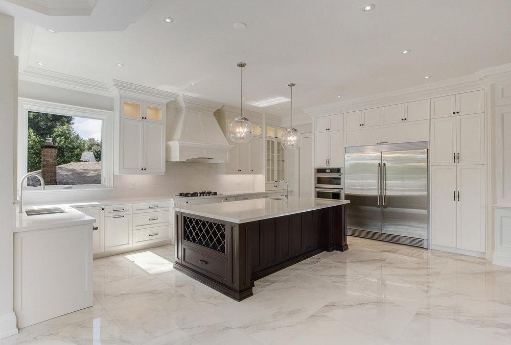 Toronto custom home kitchen