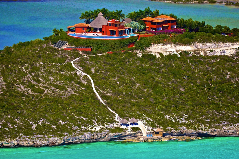 Bajacu-Turks-and-Caicos_aerial_small.jpg