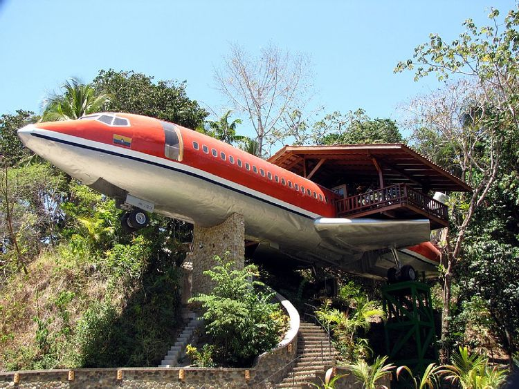 Rent A 727 Airplane Treehouse For Your Next Getaway Homeaway Blog