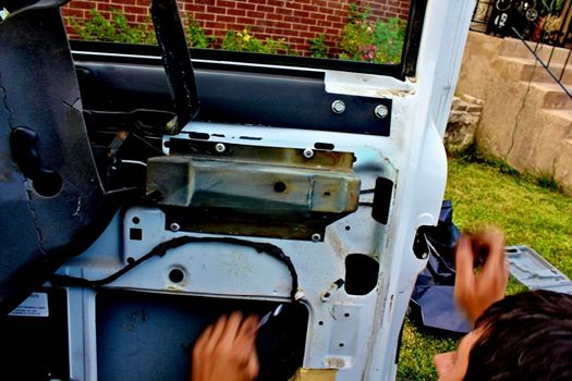 Replacing door handles